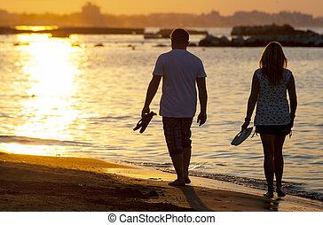 浜, 歩くこと, 日没, 恋人