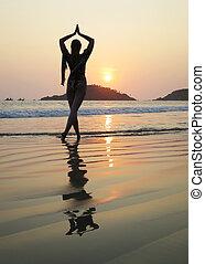 浜。, goa, インド, palolem, 瞑想する, 若い女性, 南