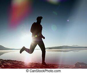 浜。, man., ライト, 動くこと, スポーツマン, leakage, ジョッギング, 日の出, の上, lens., の間, 人, 操業, 砂