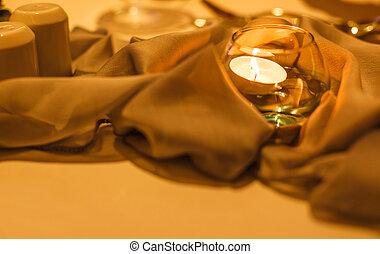 浪漫, 蜡燭光, 在, 玻璃, 裝飾, 上, 餐桌
