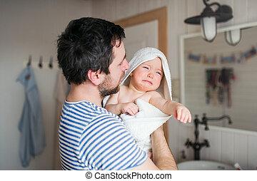浴室, タオル, 父, 子供, 包まれた, よちよち歩きの子, home.