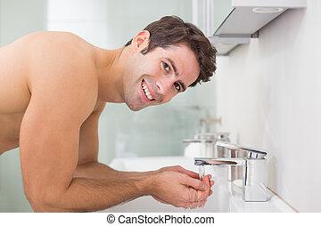 浴室, 洗浄, shirtless, 表面肖像画, 人