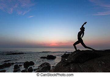 海灘, 婦女, 瑜伽, 鍛煉, 黑色半面畫像, 海洋, evening.