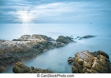 海, 岩石, 人物面部影像逼真