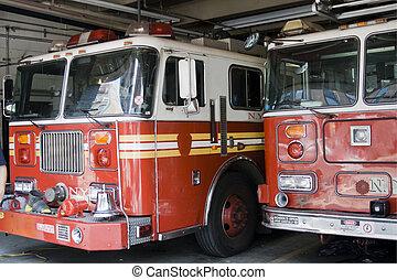消防隊員, 卡車