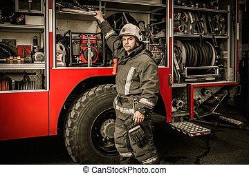 消防隊員, 拿, 設備, 從, 消防, 卡車