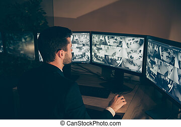 深刻, 側, 銀行, 監督すること, 仕事場, 肖像画, 24.7, 情報, ワークステーション, パネル, 安全, 呼出し, テクニカル, 専門家, 警報, 夜, サポート, 管理, すてきである, プロフィール, 網, 光景, オンラインで, シフトしなさい