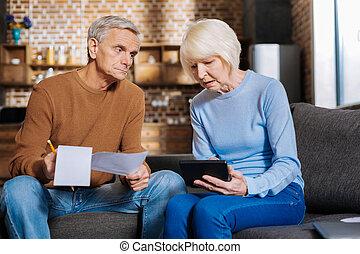 深刻, 計算機, 女, 年を取った, 保有物