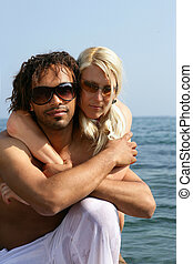 混合され競争, 恋人, 海岸, 抱き合う