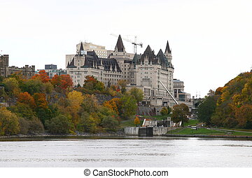 渥太華, 議會小山