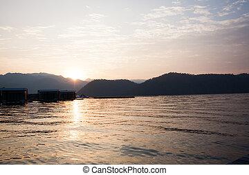 湖, 山, 日没