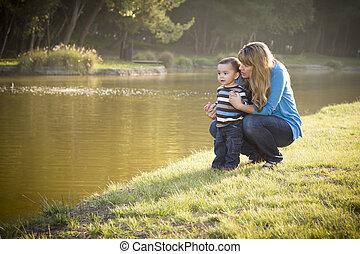 湖, 息子, 見る, 母, 赤ん坊, 幸せ, から
