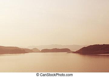 湖, 日没, 上に