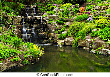 滝のように流れ落ちる, 滝, そして, 池