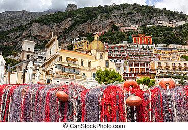 漁网, 在海灘上, ......的, positano, 看法, ......的, dome.