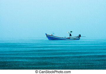 漁船, 上に, ∥, 海, ∥で∥, 雨が降る, 中に, ∥, sea.