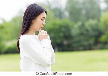漂亮的女孩, 在, 禱告