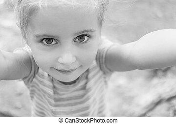 漂亮, 小女孩, 做, selfie, 黑白的照片