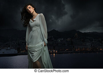 漂亮, 黑發淺黑膚色女子, 在上方, 城市, 背景