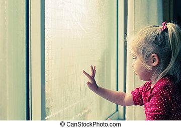 漂亮, 4, 歲, 女孩, 看穿, the, 窗口