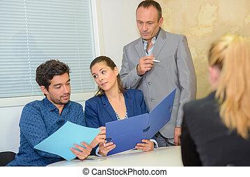 演説, グループ, ビジネスオフィス, 人々, ミーティング