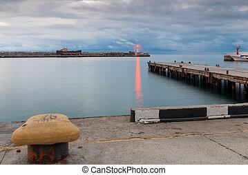 灯台, 夕闇, ライト, 明るい, 堤防, 海岸, 桟橋, 赤