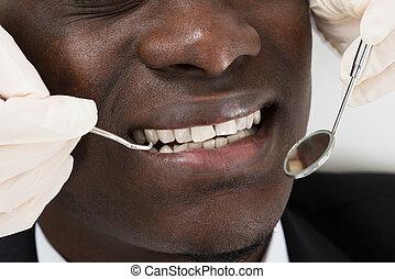 点検, 歯の患者, の上, 医者
