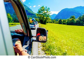 無料で, 夏, 自動車, 旅行する, 道路旅行, 中に, 美しい, 山の景色