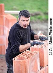 煉瓦工, よく働く
