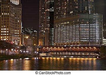 照らされた, シカゴ