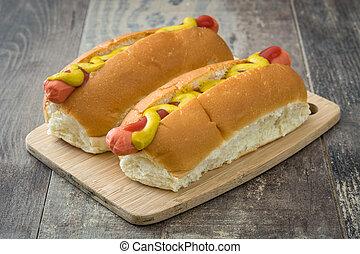 熱狗, 由于, 芥末, 以及, 蕃茄沙司