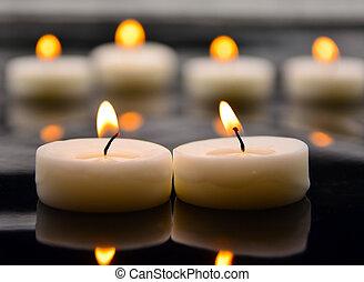 燃焼, 蝋燭, ぼやけた背景, 白