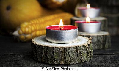 燃燒, 蜡燭, 由于, 南瓜, corncob, 秋季离去, 在, the, 背景。, 感恩, 天, 裝飾, 上, a, 木製的桌子