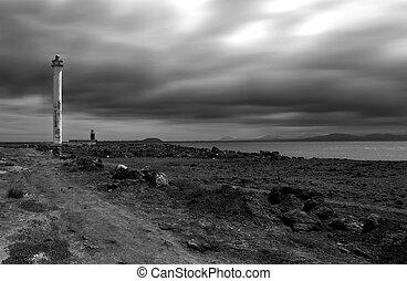 燈塔, 以及, 雲
