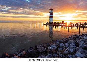 燈塔, 傍晚海洋