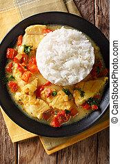 燉, fish, 由于, 調味汁, ......的, cilantro, 洋蔥, 番茄, 鈴胡椒, 以及, 椰子奶,...