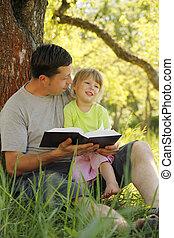 父, ∥で∥, 彼の, わずかしか, 娘, 読む, ∥, 聖書