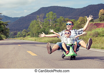 父 と 息子, 遊び, 上に, ∥, road.