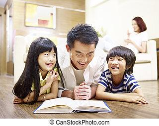 父, 一緒に, 本, アジア人, 読書, 子供