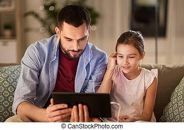父, 娘, 聞くこと, タブレット, 音楽