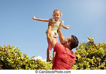 父, 娘, 遊び, 屋外で