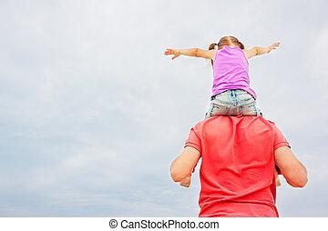 父, 肩, 彼の, 娘, 届く