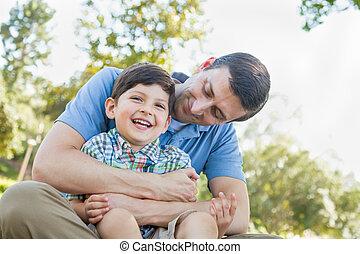 父, 若い, くすぐること, park., 息子, 情事