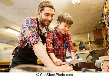 爸爸, 男孩, 卡尺, 木頭, 車間, 措施