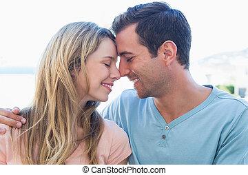 特写镜头, 在中, a, 爱夫妇, 带, 眼睛关闭