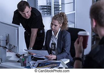 犯罪調查, 部門