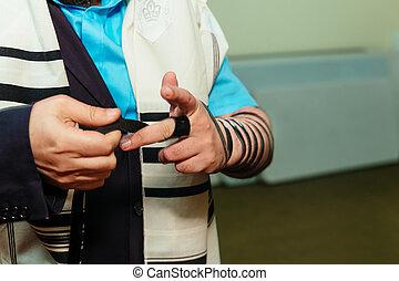 猶太, 人, 包裹, 在, tefillin, 祈禱