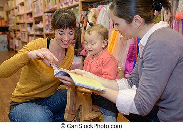 玩具, 女儿, 商店, 朋友, 母親