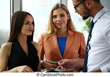 現代, グループ, businesspeople, オフィス, 討論