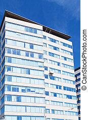 現代, multystoried, 建物, 下に, 青い空
